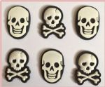 6 x Skull and Crossbones Charms